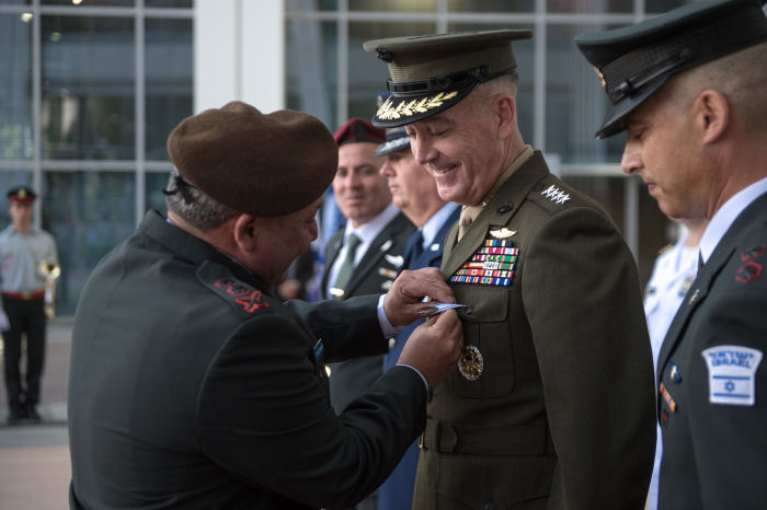 גנרל ג'וסף פ.דנפורד  General Josef F. Dunford